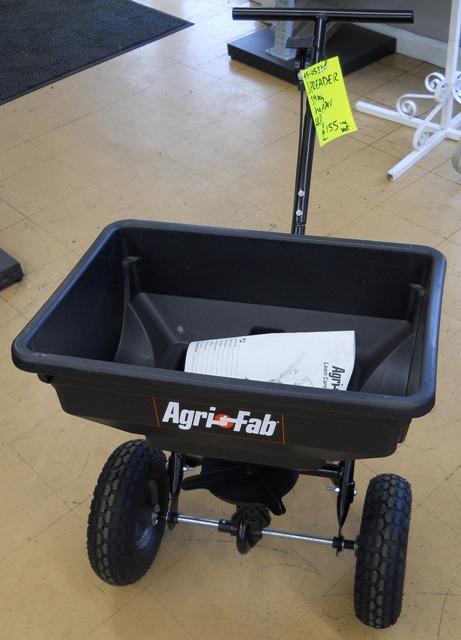 Agri-Fab Spreader 39KG Hopper